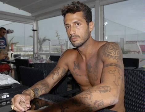 Fabrizio Corona in carcere: Vittorio Sgarbi lo difende