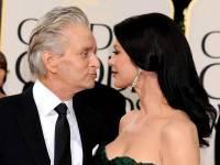 Michael-Douglas-and-Catherine-Zeta-Jones-about-to-kiss_110511