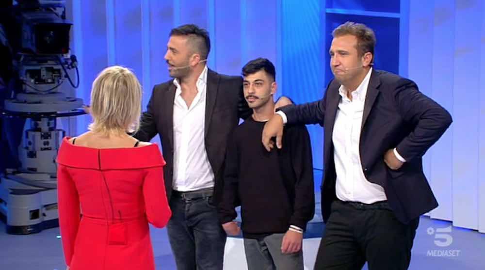 Pio e Amedeo C'è posta per te: Mario Balotelli compra una macchina a Gabriele?
