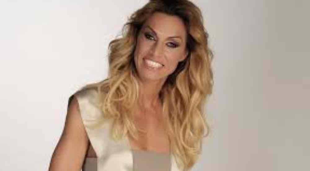 Annalisa Minetti Ora o mai più: figli, marito, altezza ed età