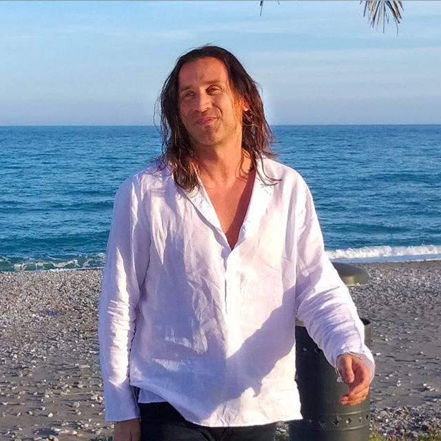 Povia: Sanremo 2009, piccione, canzoni, la verità, mai dire