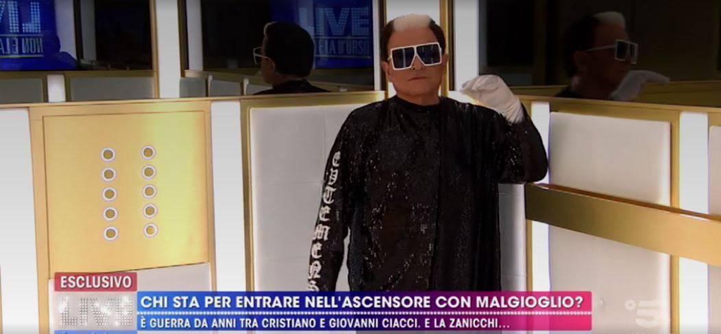 Ascensore Malgioglio Iva Zanicchi Ciacci: caos da Barbara D'Urso