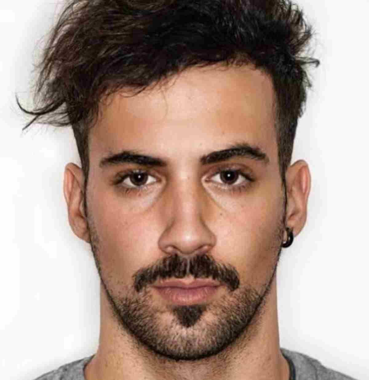 Chi è Lorenzo Orlandi, fidanzato di Valentina Vignali Gf 2019? Fotografo