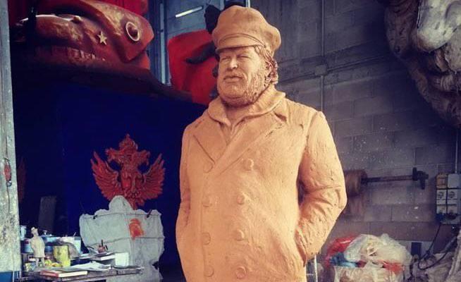 Bud Spencer statua Livorno