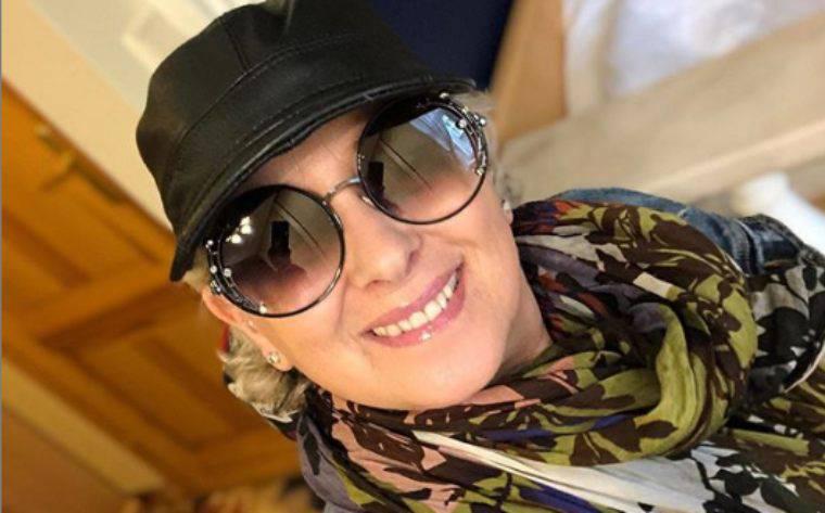 Carolyn Smith in ospedale: trombosi al braccio destro