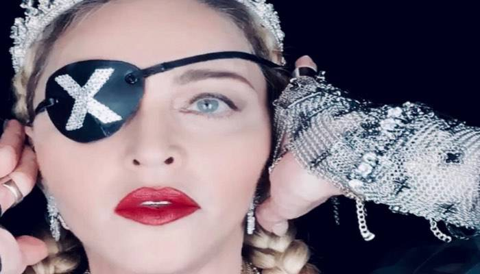Musica: dolore indescrivibile, Madonna ferma il tour