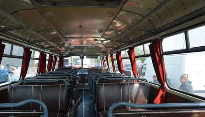 Scuolabus si ribalta a Padova, autista si dà alla fuga