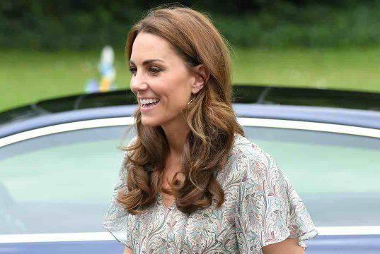 Kate Middleton è rifatta? Foto prima e dopo: non sembra più lei