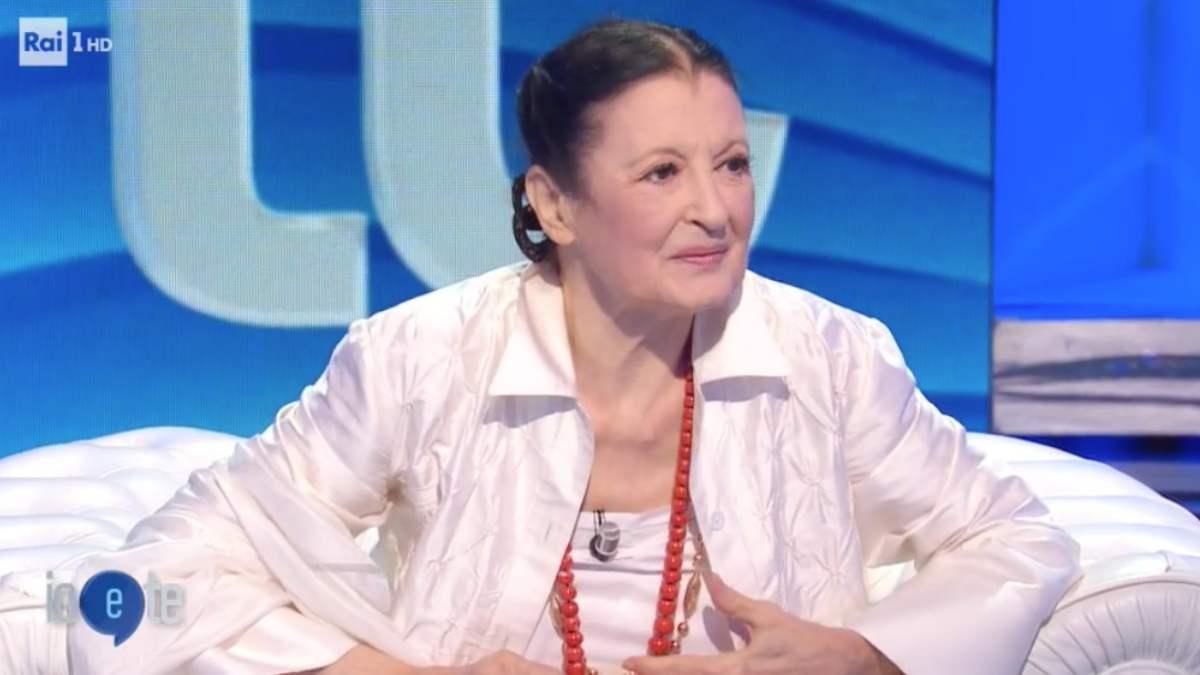 Carla Fracci imitata da Virginia Raffaele