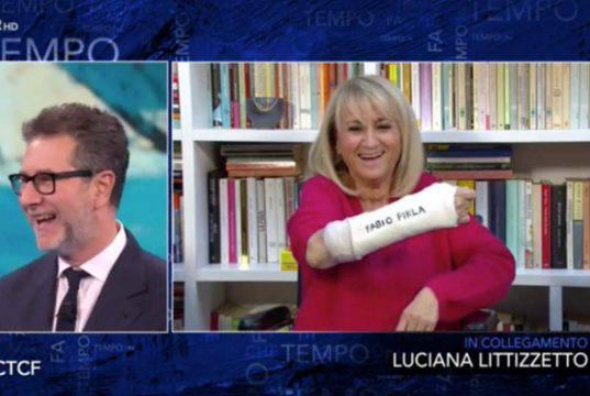 Luciana Littizzetto dopo l'incidente |  messaggio per Fazio sul gesso