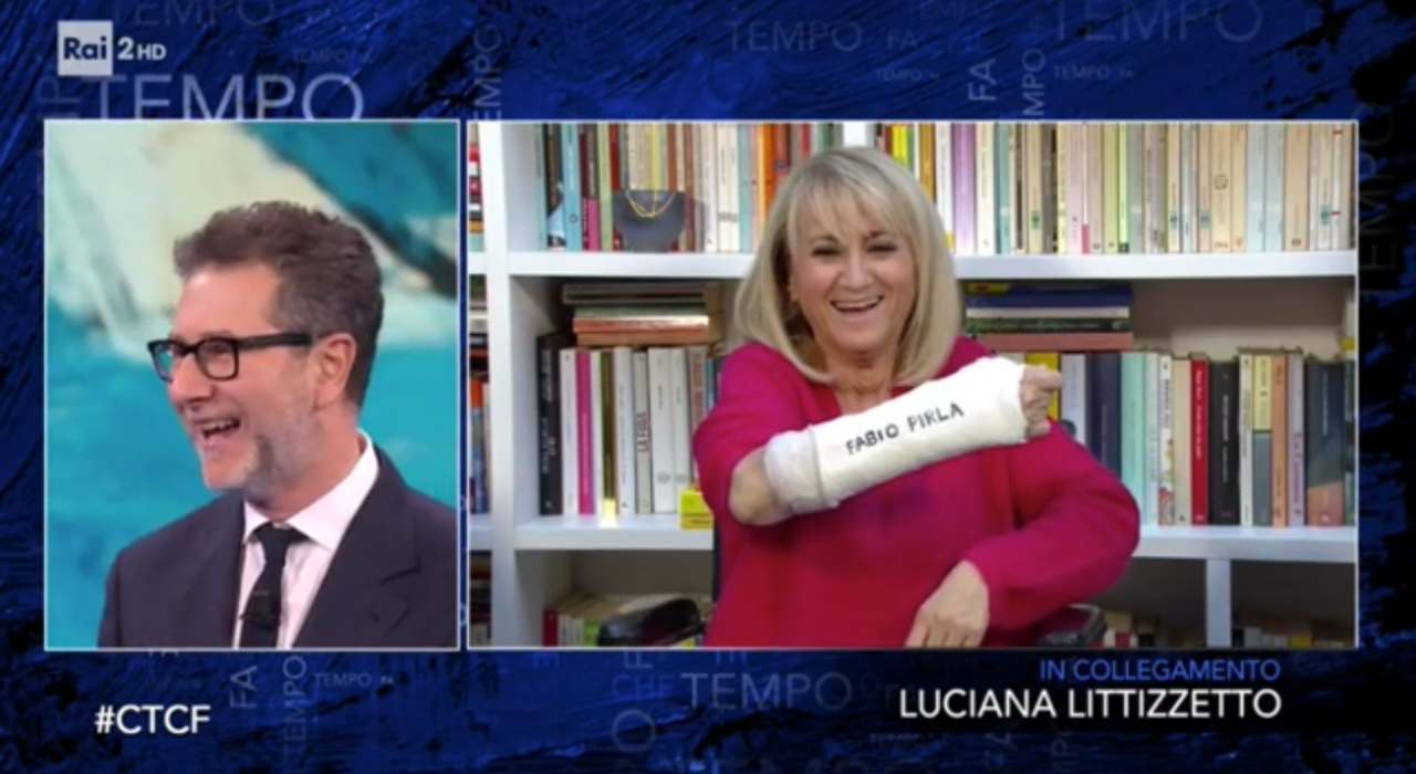 Luciana Littizzetto messaggio sul gesso per Fabio Fazio