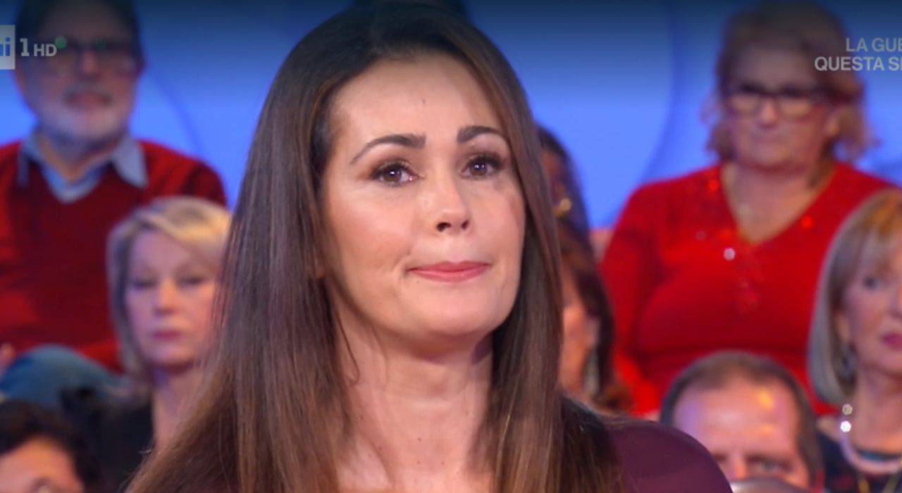 Samantha De Grenet lacrime in diretta