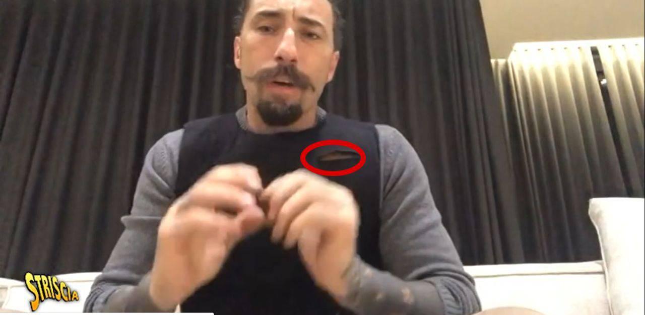 Vittorio Brumotti aggredito con un coltello_ _Mi ha salvato il giubotto antiproiettile_ (3)