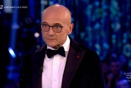 Alfonso Signorini bacchetta Fabio Testi: cosa è accaduto?