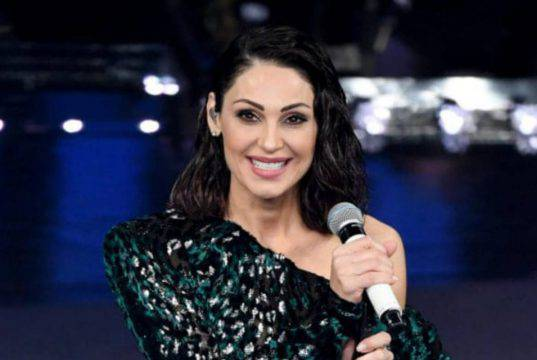 Anna Tatangelo, un sorriso per ripartire: adesso è davvero felice