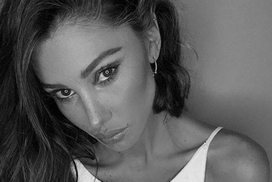 Belen Rodriguez, una diva a Parigi per la Fashion Week