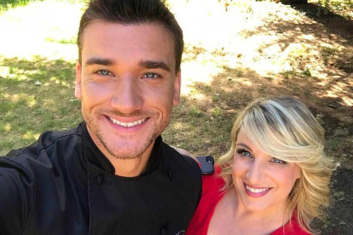 Damiano Carrara ha svelato il segreto delle sorelle Kardashian, clienti del suo locale in America. Lo chef più amato della televisione italiana ha stupito tutti svelando i nomi dei suoi famosi clienti.