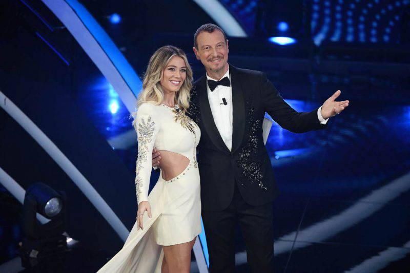 Sanremo: volano ascolti, Fiorello si vestirà da coniglio