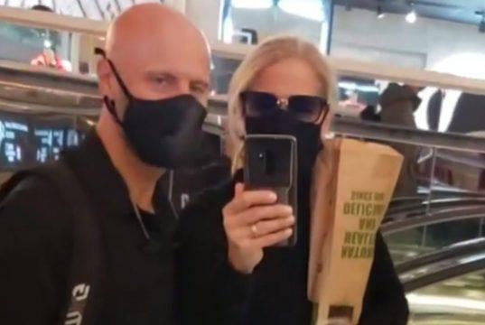 """Heather Parisi: """"Proteggi te stesso e gli altri con la masch"""