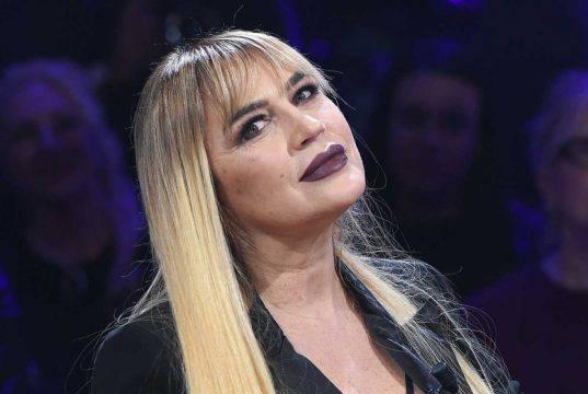 """Lory Del Santo, la denuncia getta i fan nel panico: """"È scomparsa"""""""