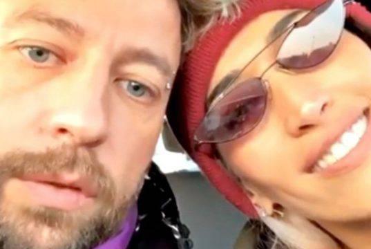 Nina Zilli e Danti escono allo scoperto: baci appassionati