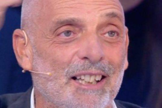 """Paolo Brosio vs Achille Lauro: """"Non c'entra con la musica"""""""