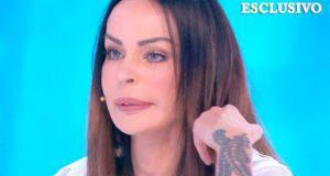 """Carlos Maria figlio Nina Moric, lacrime in diretta: """"Preferisco morire"""""""