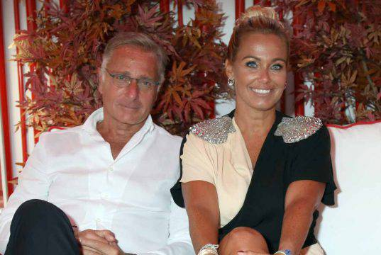 Sonia Bruganelli pubblica una foto di famiglia: Paolo Bonolis dov'è?