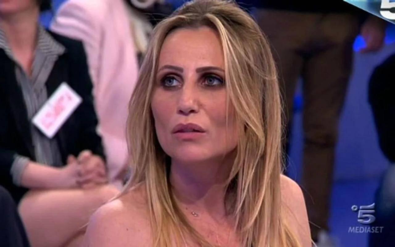 Ursula Benardo compagnia Sossio Aruta: pesante accusa a Licia Nunez