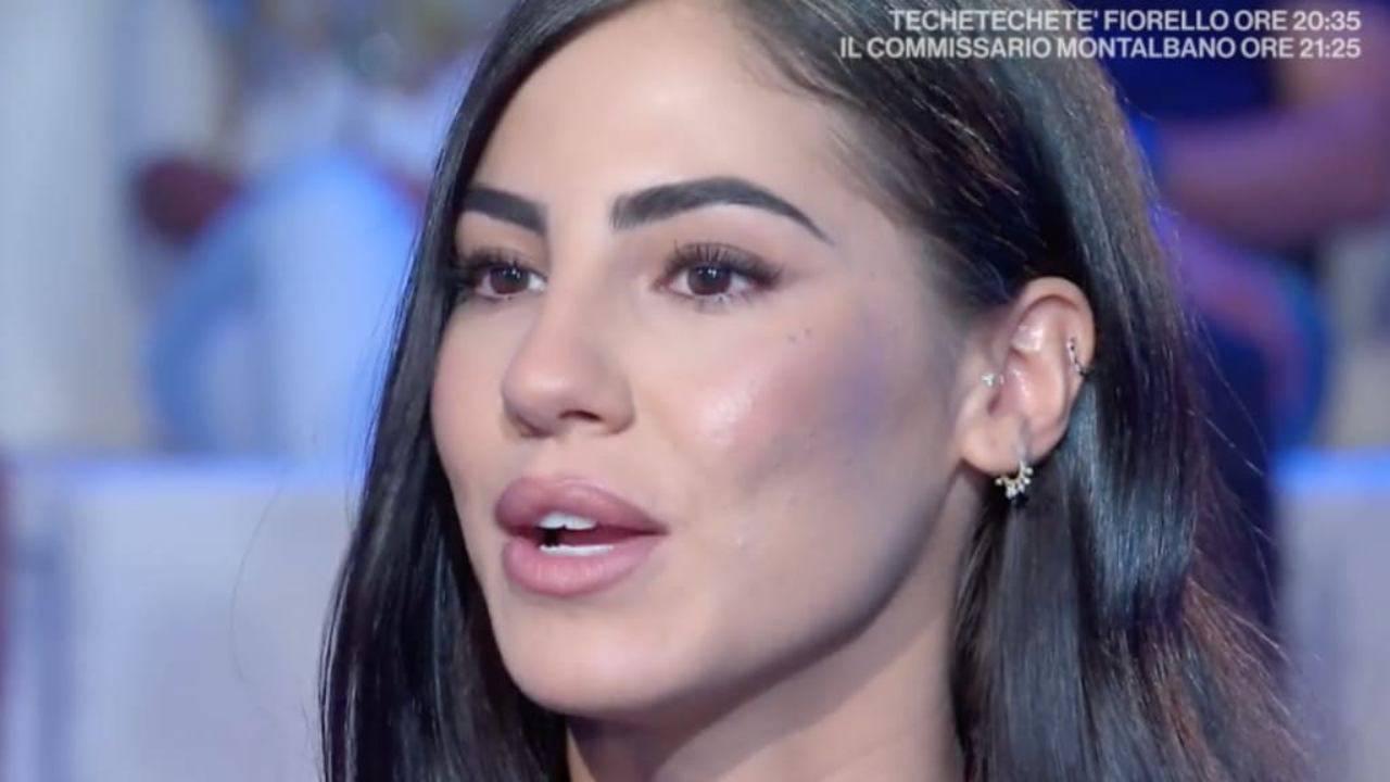 Giulia De Lellis scelta discutibile: il web non ha dubbi