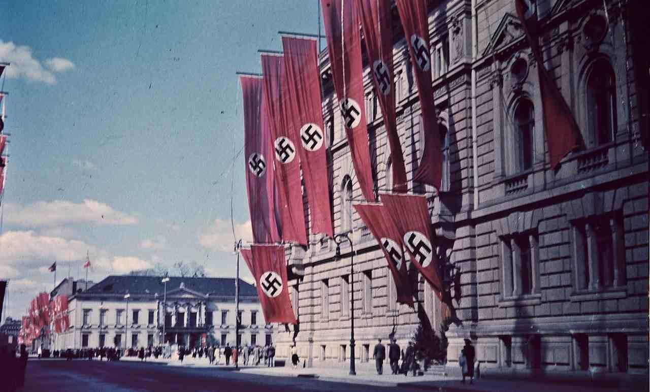 Bandiere naziste