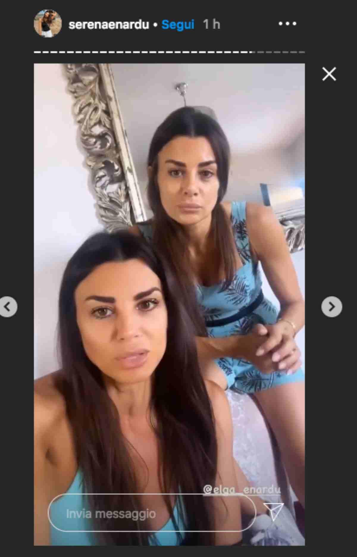 Serena Enardu e la sorella Elga