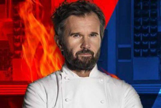 Carlo Cracco serve solo mezza pizza: la provocazione dello chef ai clienti del ristorante stellato