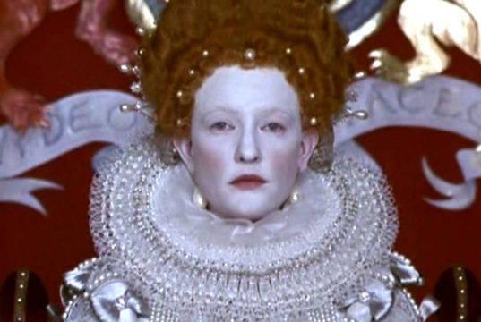 Elizabeth, Cate Blanchett su Rete 4 per un film nobile ed educato