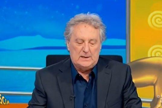 """Enzo Iacchetti sbrocca in diretta: """"Ha raccontato un sacco di frottole"""""""