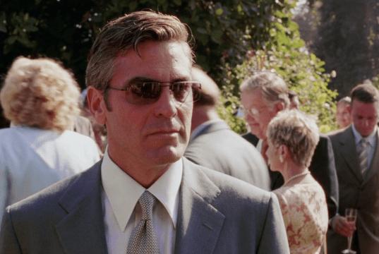 George Clooney caduto in rovina a causa di una donna: nel film i dettagli