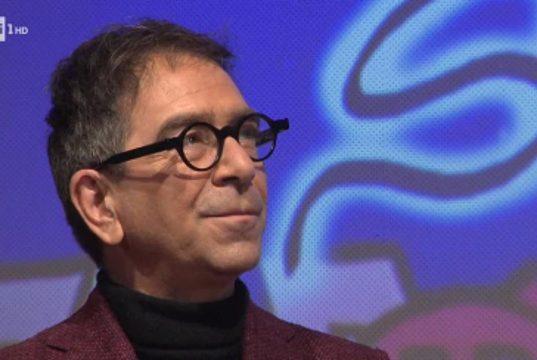 """""""Non avevo l'acqua calda e i soldi per pagare le bollette. Non mi sentivo all'altezza"""": il commovente monologo di Elodie al Festival di Sanremo 2021"""