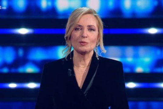 """Sanremo 2021, """"Luigi Tenco giocava con la pistola"""": è polemica"""