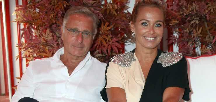 Paolo Bonolis, l'aneddoto del passato con la moglie: c'entra la gelosia