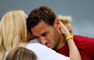 Speravo de morì prima: Castellitto svela la reazione di Totti e Ilary