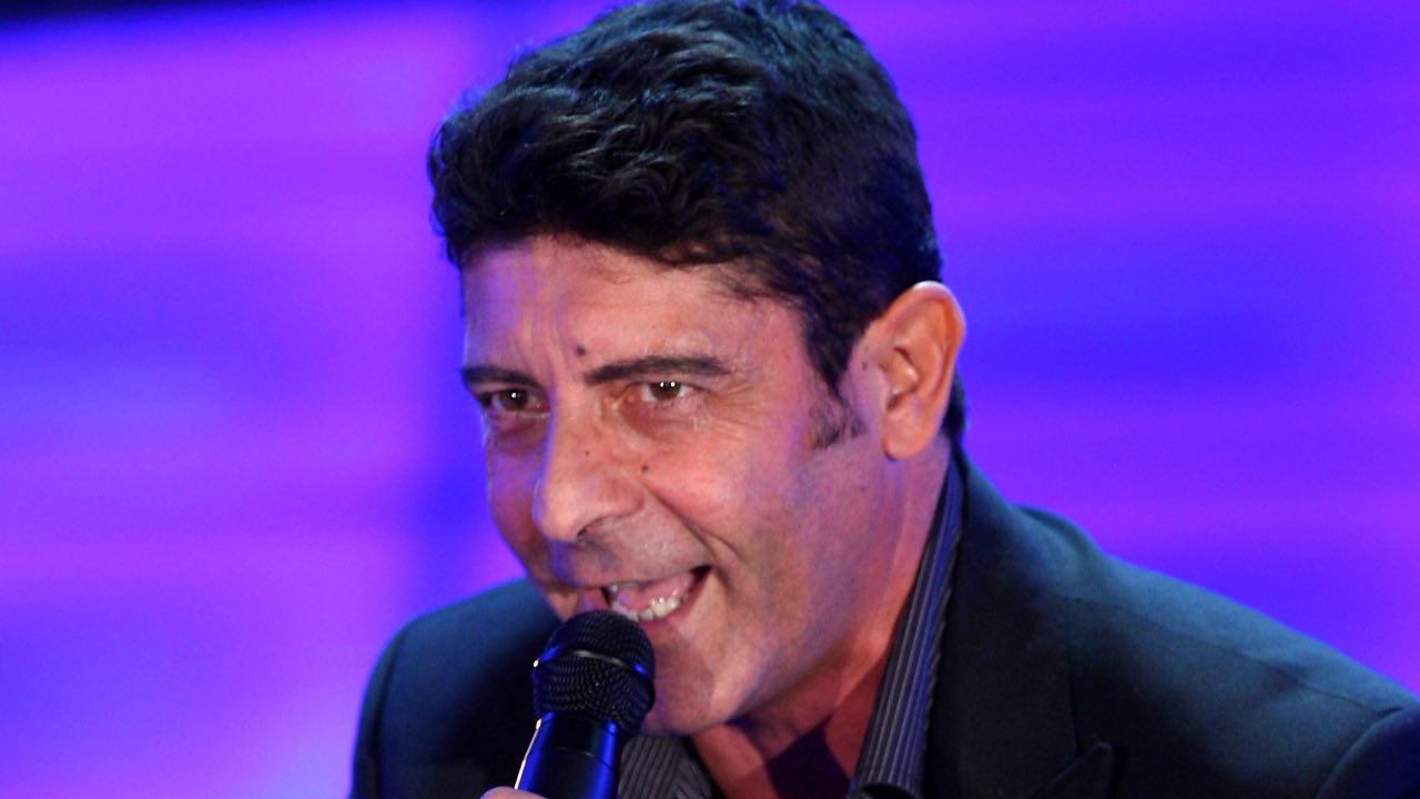 Luca Laurenti sapete come ha cominciato a cantare? C'entra un cane