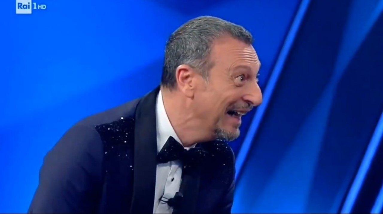 Sanremo 2021 amadeus ornella bacio