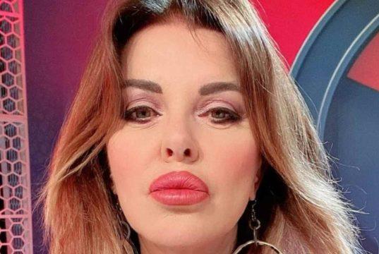 Alba Parietti strega Matano, la reazione in diretta