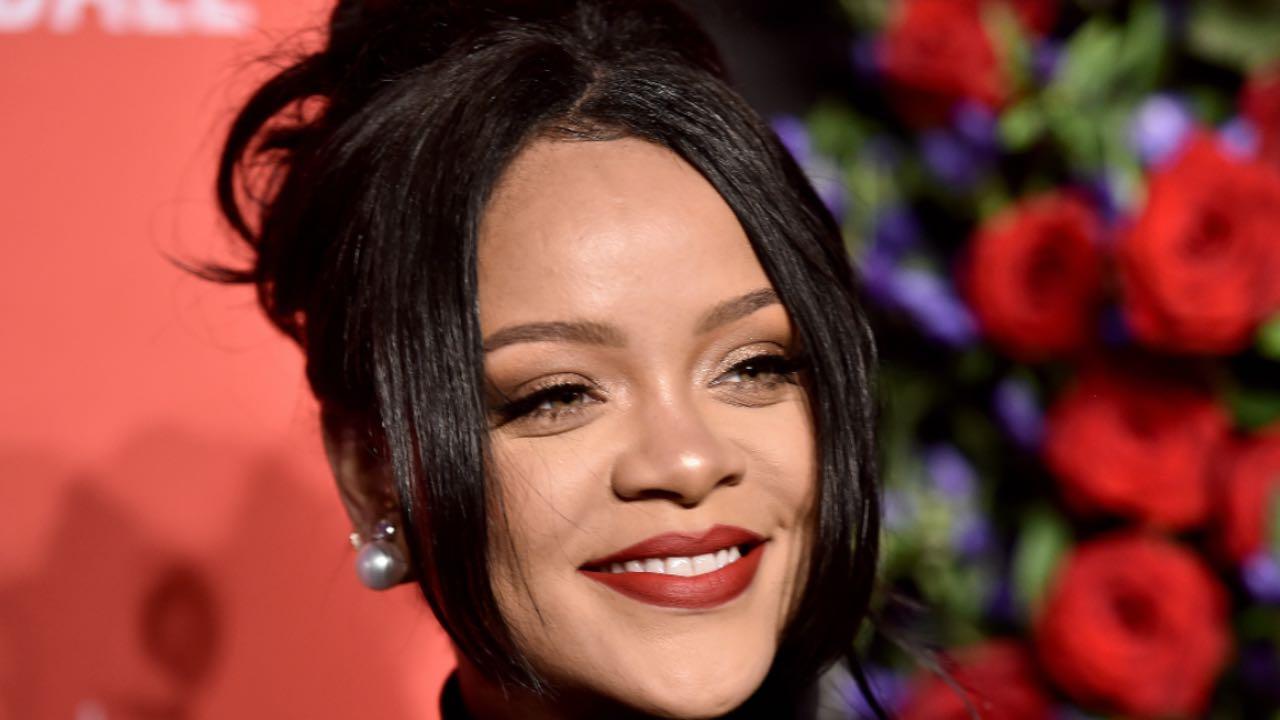 Rihanna sapete a quanto ammonta il suo patrimonio? Cifre da capogiro