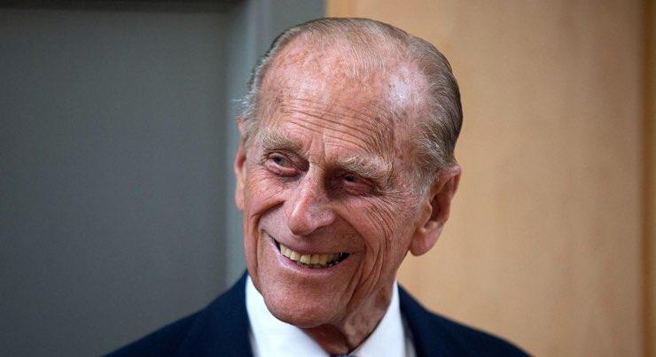 Principe Filippo funerali: interrotta la tradizione secolare, il motivo