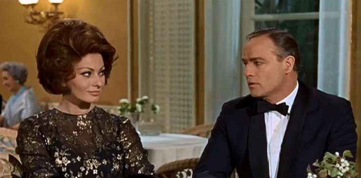 Marlon Brando e Sophia Loren (La contessa di Hong Kong)