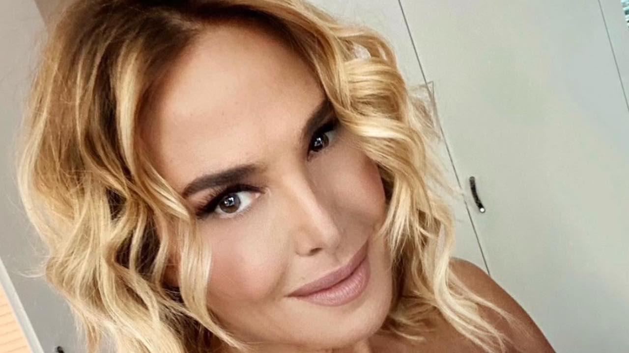 Barbara D'Urso stuzzica i fan: spoiler su Domenica Live?