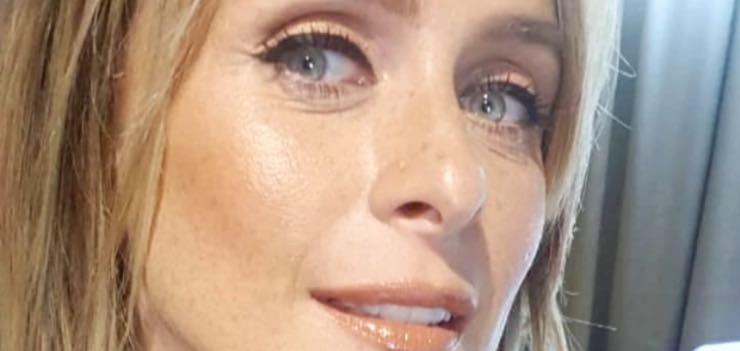 """Serena Autieri l'evento che l'ha cambiata: """"mi ha resa un'altra donna"""""""