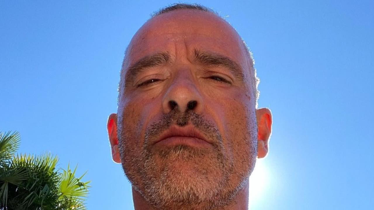 Eros Ramazzotti festeggia: sono passati ben 35 anni