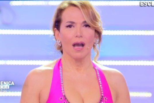 Gaffe Tv, le peggiori della settimana: Barbara D'Urso gela su Little Tony